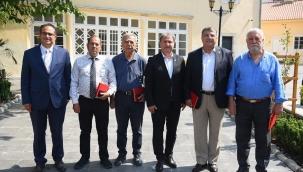 Bornova'da eski başkanlar iktidar hedefiyle bir arayageldi