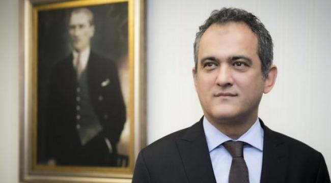 Bakan Selçuk'tan boşalan koltuğa Prof. Dr. Mahmut Özer atandı.