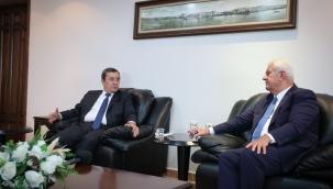 Esnaftan Başkan Batur'a teşekkür